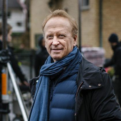 Anders Landström under inspelning utomhus